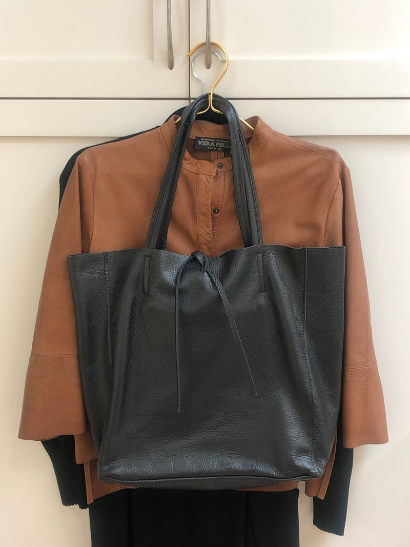 Maxi Tote | Black Leather