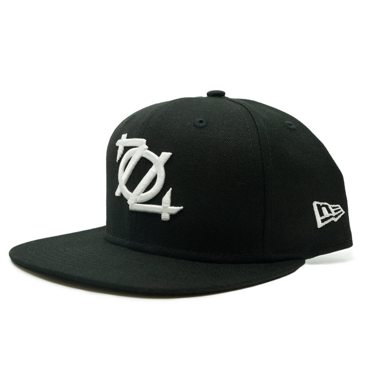704 Shop x New Era 704 Logo 950 Hat - Black/White
