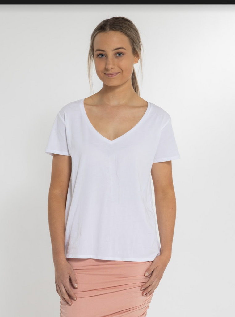 EFFORTLESS BASIC TEE