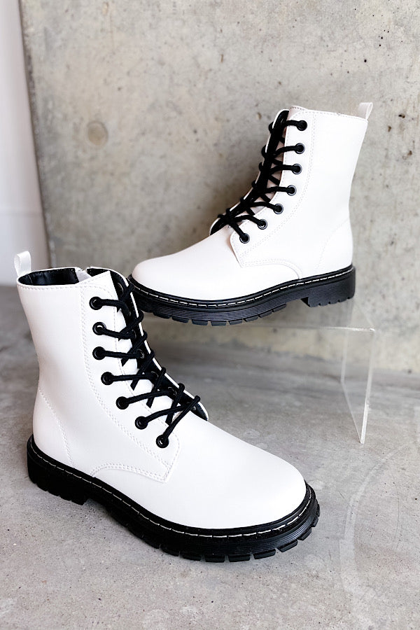 Betty Boot in White