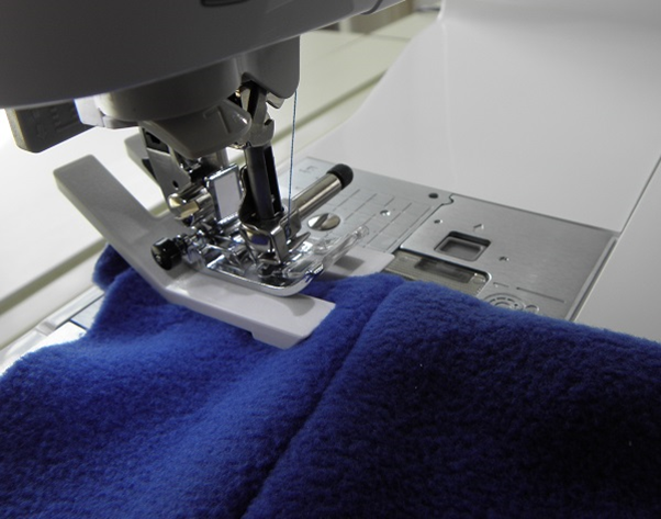 A Guide To Working With Fleece Fabrics WeaverDee Simple Bulk Sewing Machine Needles