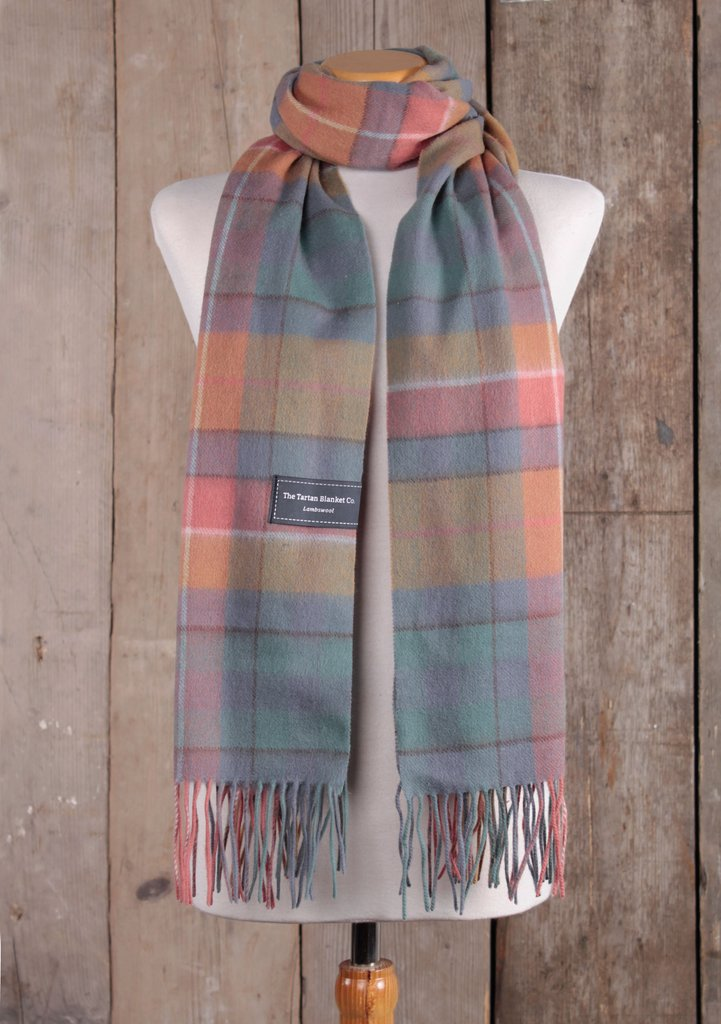 Lambswool Oversized Scarf in Buchanan Antique Tartan