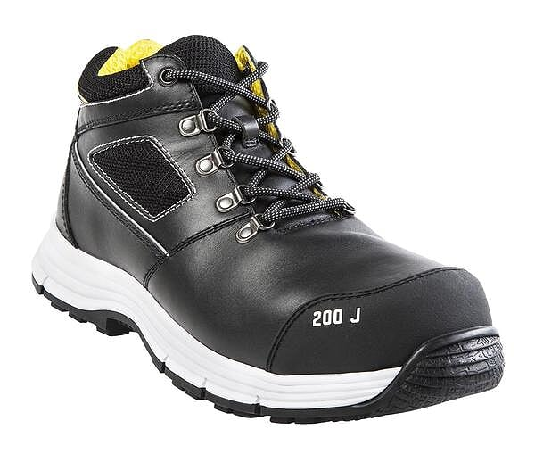 A Guide to Choosing Blaklader Safety Boots