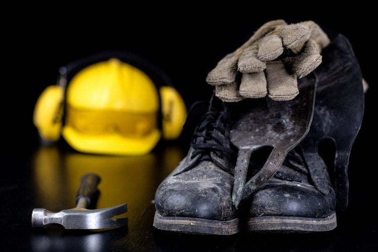 What are the Best Types of Shoes or Boots for My Workplace?
