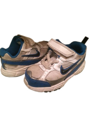 Nike Boys Velcro Athletic Shoes  Y