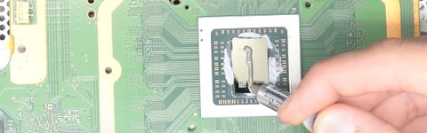 Adding thermal paste to the CPU
