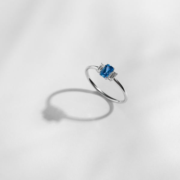 Lucy and Mui Bespoke Sapphire Ring