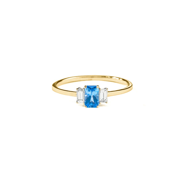 Large Sapphire Baguette Diamond Ring // Gold