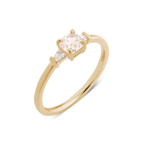 The Cushion Tapered Diamond Ring // Gold