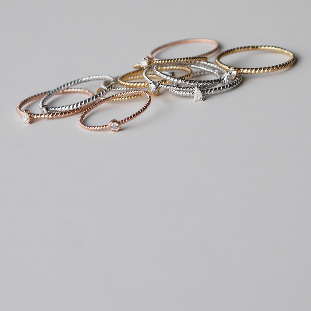 Bead Diamond Twist Ring // Gold