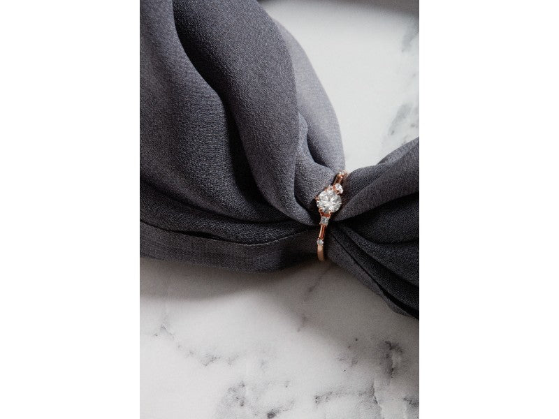 The Round Rosette Diamond Ring // Gold