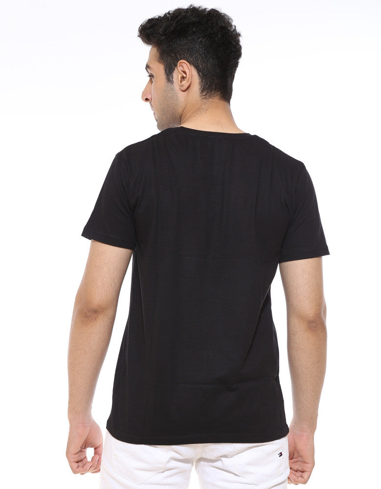 Crows Before Hoes -  Black Men's GOT Half Sleeve Trendy T Shirt Model Back View