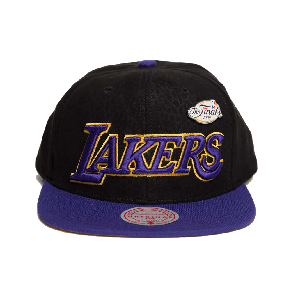 Los Angeles Lakers Pinned Snake Skin Snapback (Black/Purple)