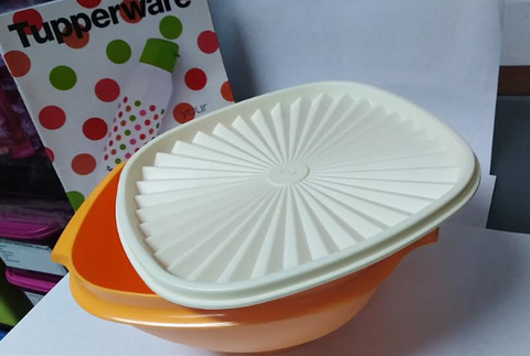 Tupperware Servalier Medium Bowl 2.3L (Salad Bowl) Orange