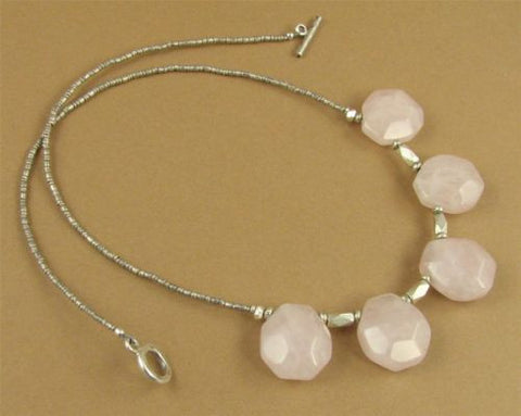 Rose quartz & silver necklace. Fine and sterling 925. Pink faceted stones.