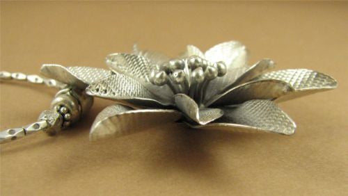 Large pointy flower necklace. Fine and sterling silver. Handmade.