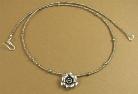 Small flower necklace. Fine and sterling silver. Handmade.