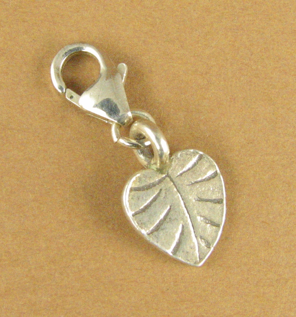 Leaf clip-on charm. Bodhi /poplar. Small. Lobster clasp. Sterling silver 925.