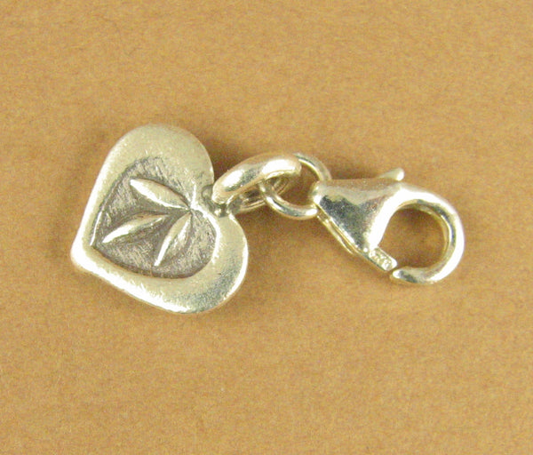 Heart clip-on charm. 3 leaves. Small. Lobster clasp. Sterling silver 925.