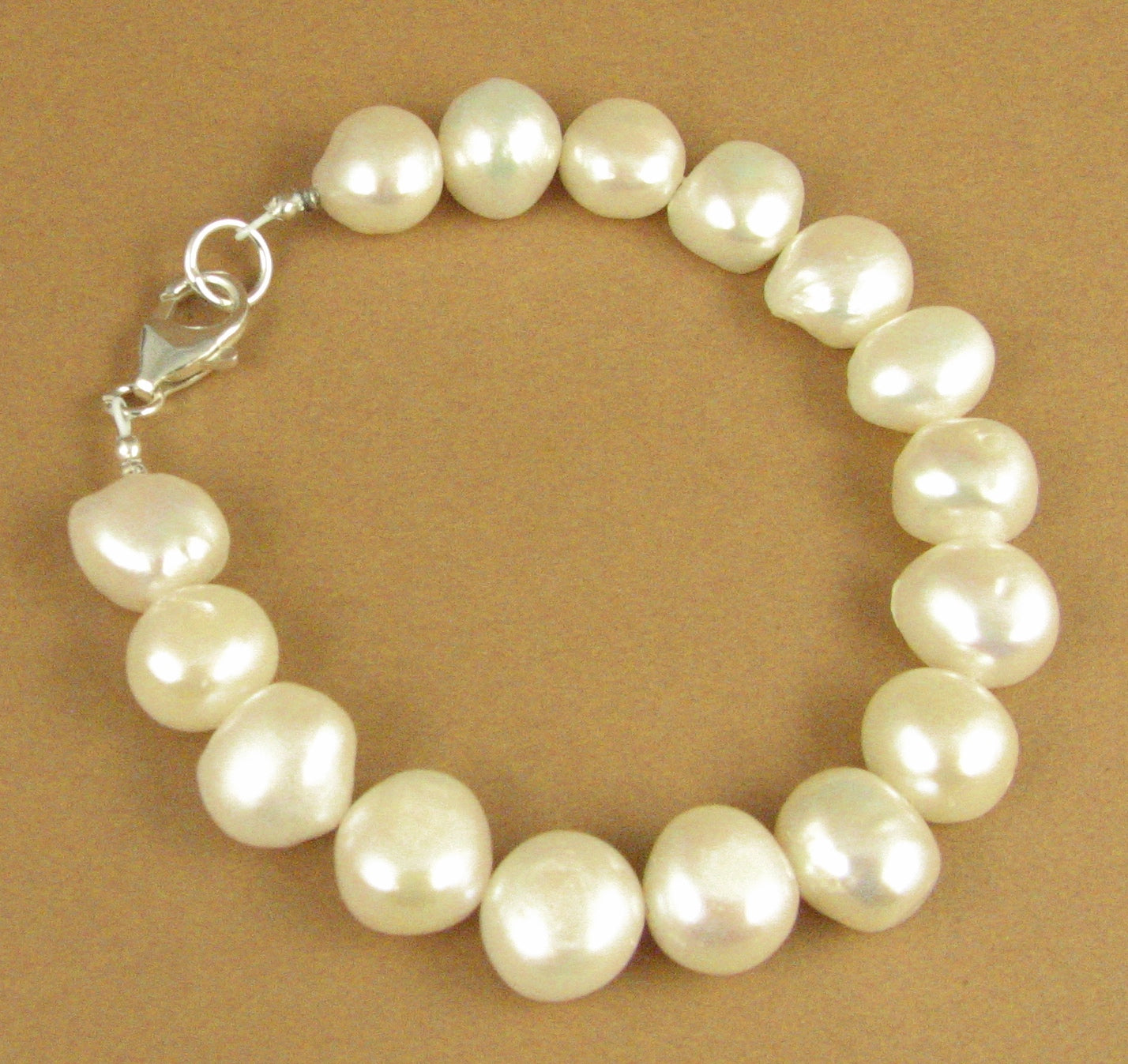 Pearl chunky bracelet. Real pearls. White. Sterling silver 925. Handmade.
