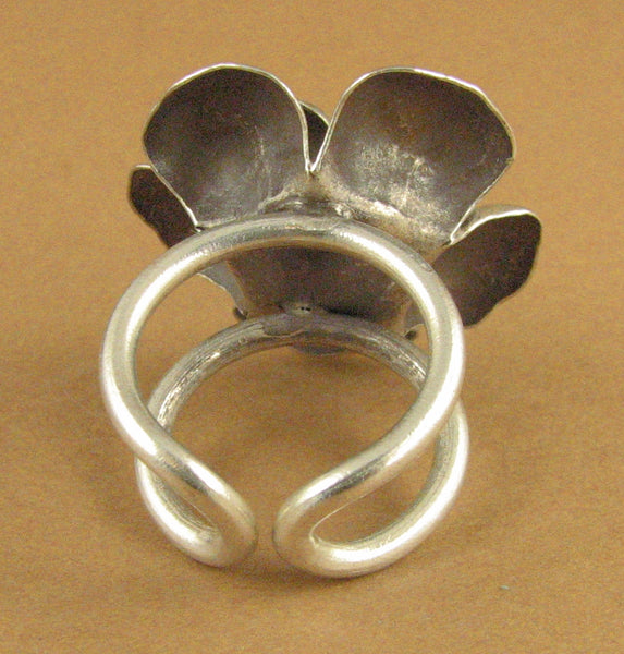 Ring with large flower. Petals. Fine/sterling silver 925. Adjustable size.