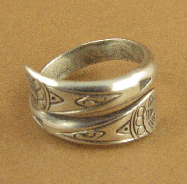 Ring with tribal design. Wrap around. Fine/sterling silver 925. Adjustable