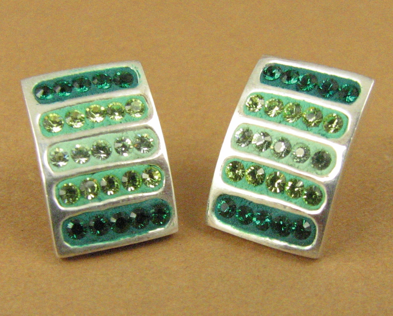 Crystal sparkly stud earrings. Swarovski elements. Green. Sterling silver 925