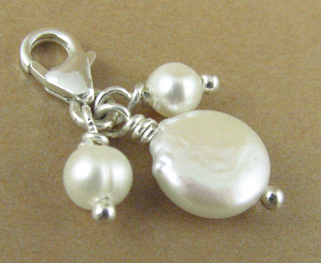 Pearl clip-on charm.Cluster, 3 pearls. Disc button. White. Sterling silver 925.