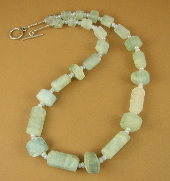 Aquamarine and silver necklace. Light blue gemstone. Sterling silver 925.
