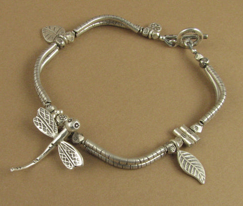 Dragonfly and leaf bracelet. Curvy. Fine & sterling silver 925.