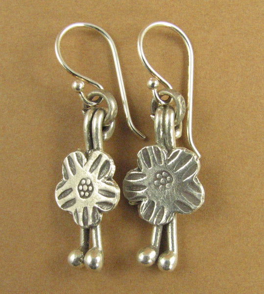 Flower shaped tribal charm earrings. Fine and sterling silver 925. Handmade.