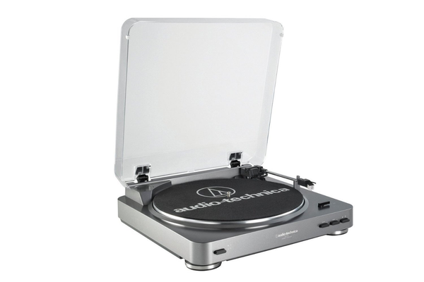 AUDIO TECHNICA - AT-LP60 FULLY AUTOMATIC STEREO TURNTABLE SYSTEM