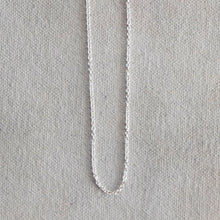 Load image into Gallery viewer, Sterling Silver Oval Chain
