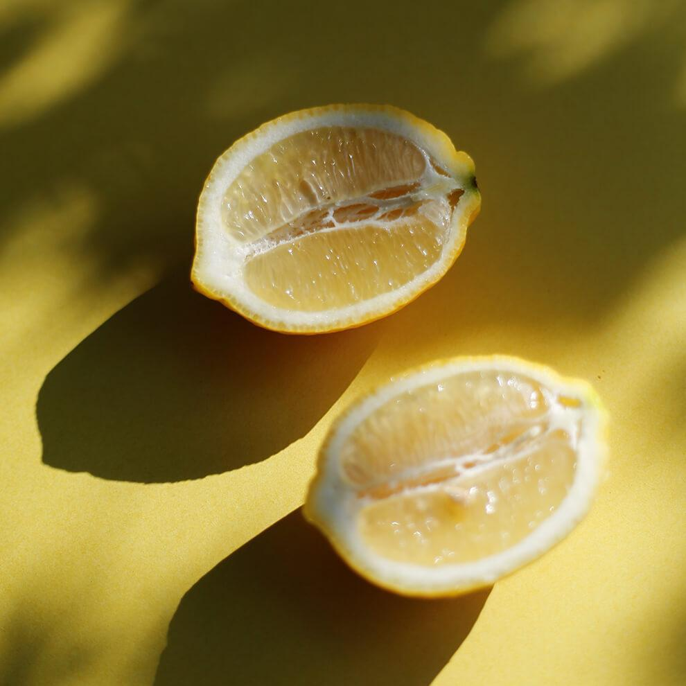 Organic Lemon Essential Oil - Vitruvi