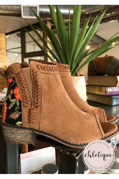 Santa Rosa Booties (2 Colors)