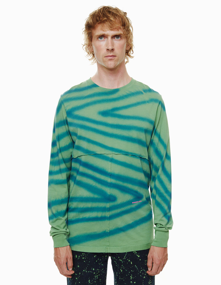 LAPPED LONG SLEEVE, DIRECTIONAL SPRAY