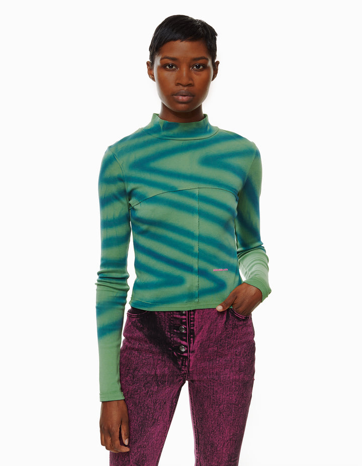 LAPPED BABY TURTLENECK, DIRECTIONAL SPRAY