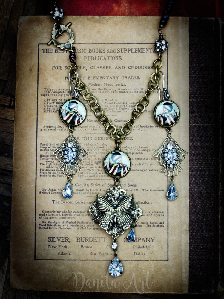 The discovery set, Jewelry by Danita Art