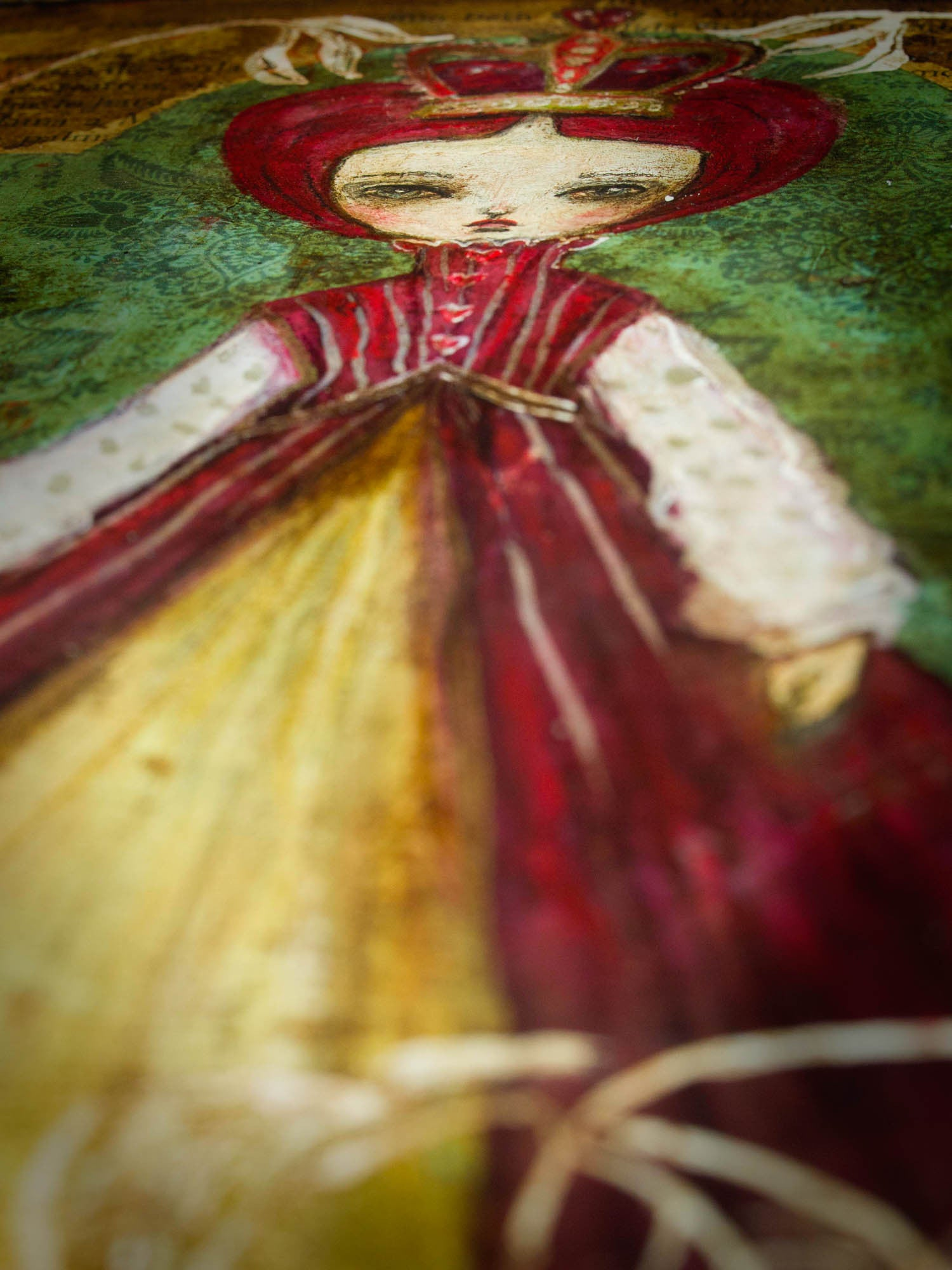 The red queen is the ruler of Wonderland, and Danita captured her royalty while she is surrounded by her favorite roses in white ink, while she looks for someone to off their heads, because they should have been painted red.