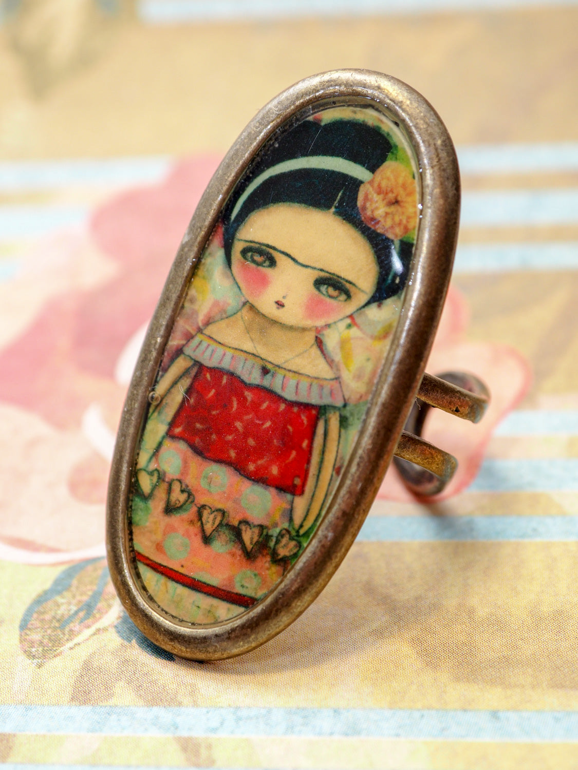 FRIDA WITH HEARTS - Hearts and love in original jewelry ring by Danita, Jewelry by Danita Art