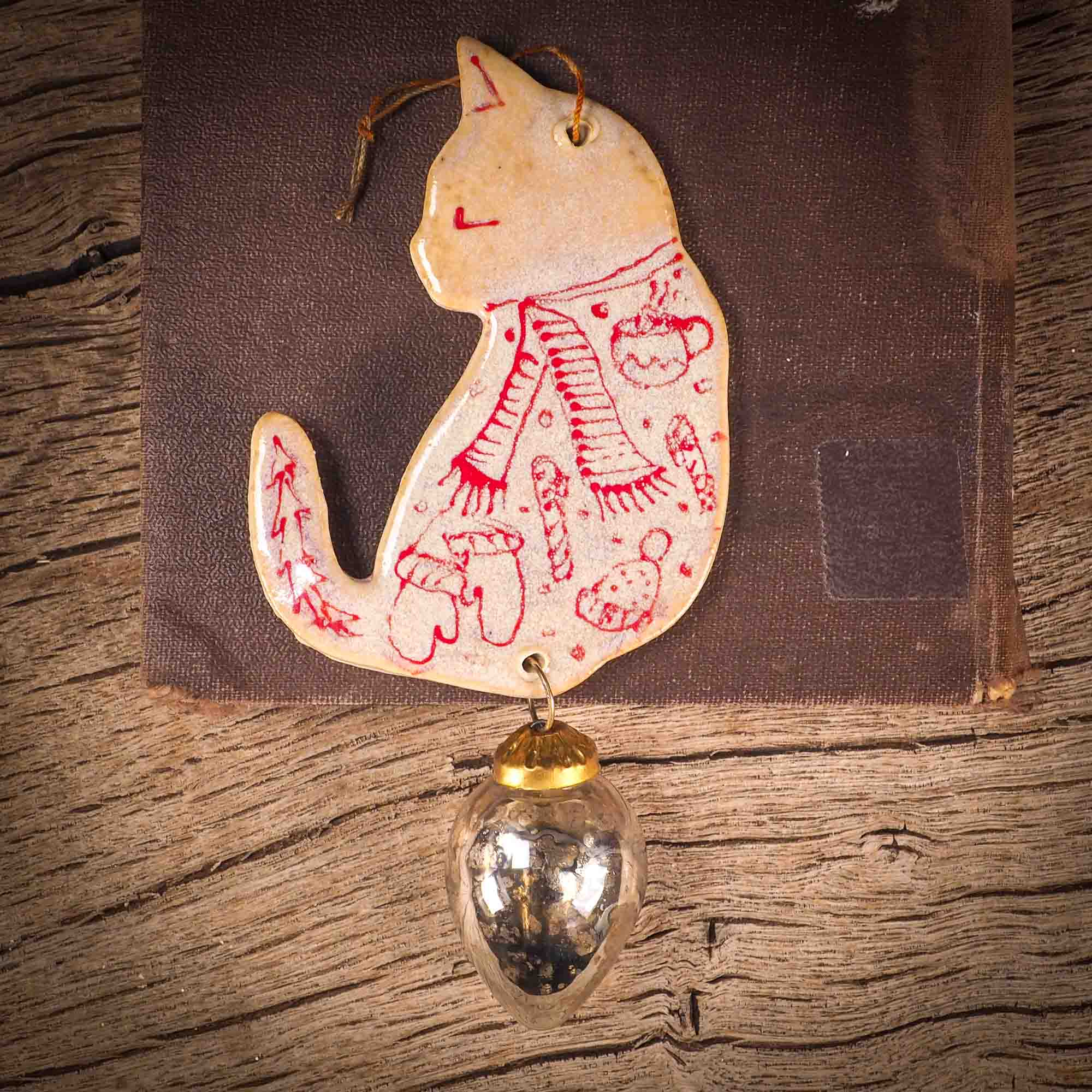 HOLIDAY CAT ORNAMENT #02