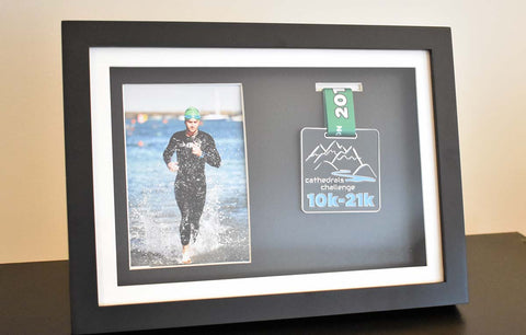 Medal & Photo Frame (Black)