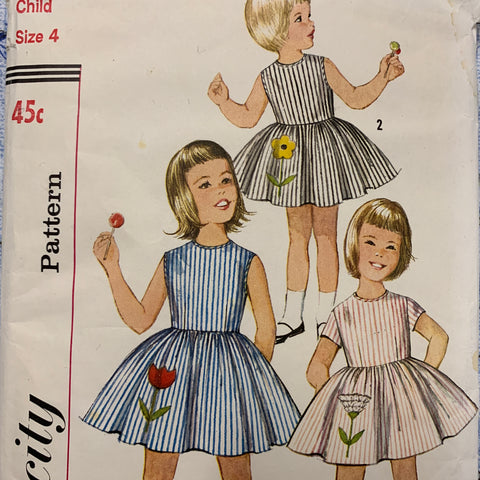 Simplicity snazzy size 4 child's one-piece dress with full skirt and transfer 1960s *4878