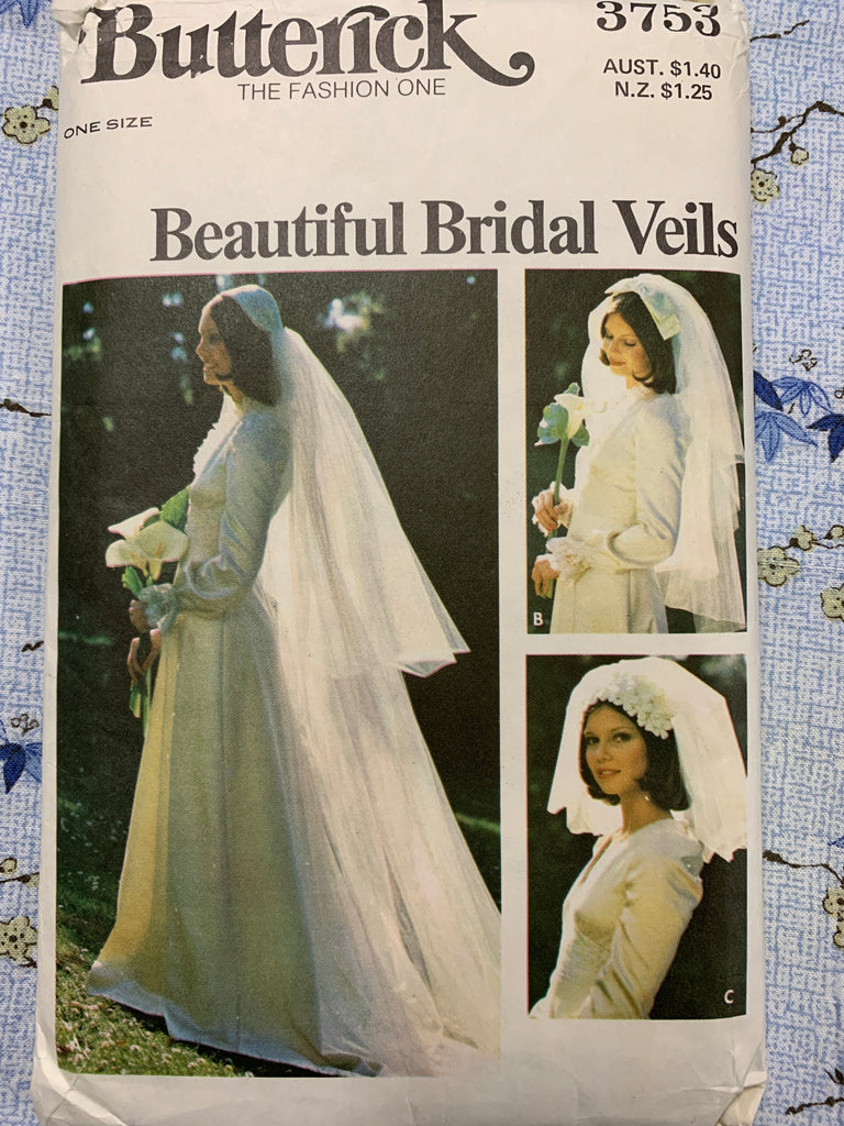 BRIDAL HEADPIECES & VEILS: Juliet cap designs 1970s factory folded *3753