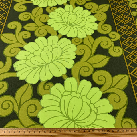 8m+ LEFT: Sublime green on green 70s early 80s Shanghai drapery cotton FQ+