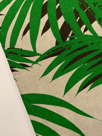 1.5m LEFT: Large scale green fern on unbleached cotton 1970s 80s upholstery heavy drapery FQ+