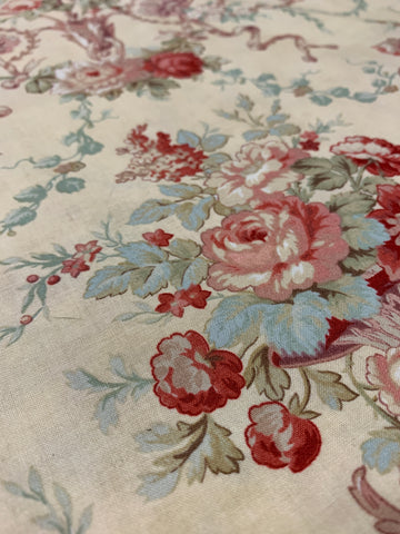 LESS THAN 1m LEFT: modern quilt cotton with ornate scrolls and flowers olde worlde