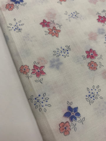 3.5m LEFT: 76cm wide vintage light weight cotton with small floral on white - 60s?