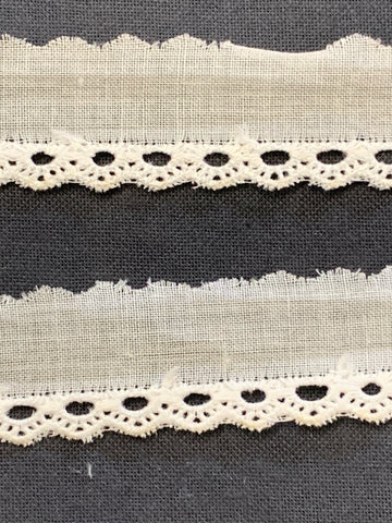 9m LEFT: vintage? light cotton crochet style small trim 1/2cm high