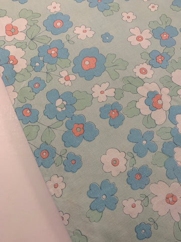LESS THAN 1.5m LEFT: Vintage 1970s retro blues green flowers cotton sheeting